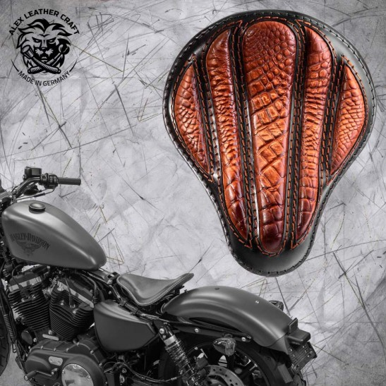 "Solo Sitz + Montage Kit Harley Davidson Sportster 04-20 ""Optimus"" Kroko Vintage Braun"