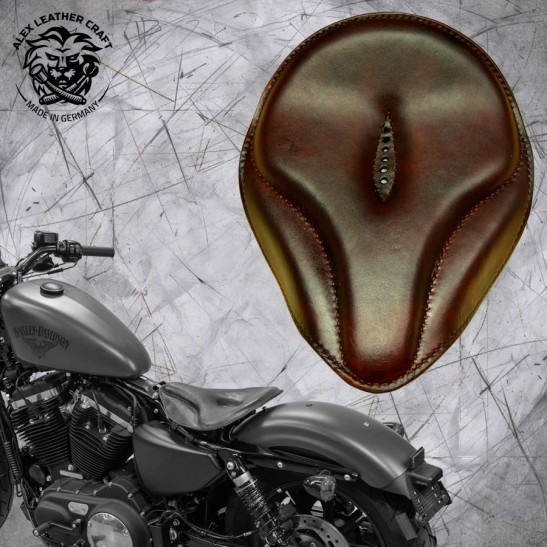 "Solo Seat + Montage Kit Harley Davidson Sportster 04-20 ""Old time"" Dark brown"