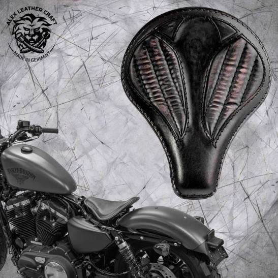 """Solo Sitz + Montage Kit Harley Davidson Sportster 04-20 """"Lang"""" Vintage Schwarz V2"""