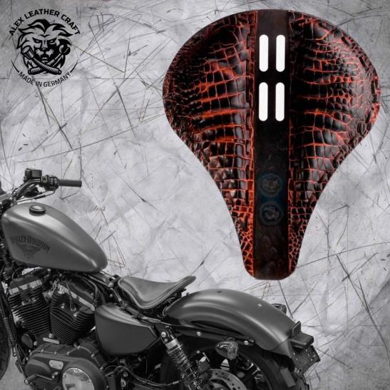 "Solo Seat + Montage Kit Harley Davidson Sportster 04-20 ""Long"" 4Fourth Alligator Saddle Tan"