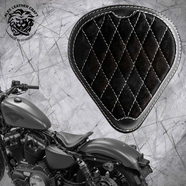 "Solo Seat + Montage Kit Harley Davidson Sportster 04-20 ""Drop"" Gloss and Velvet Black and White V3"