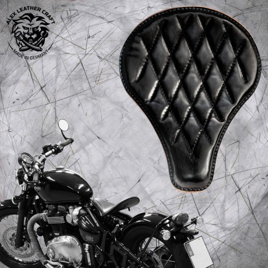 """Triumph Bonneville Bobber Seat since 2016 """"Long"""" Vintage Black V3"""