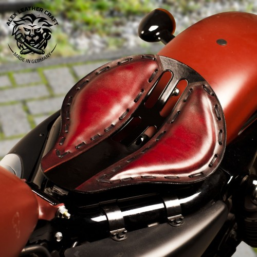 "Custom Seat + Montage Kit HD Sportster 04 - 20 ""4Fourth"" Red"