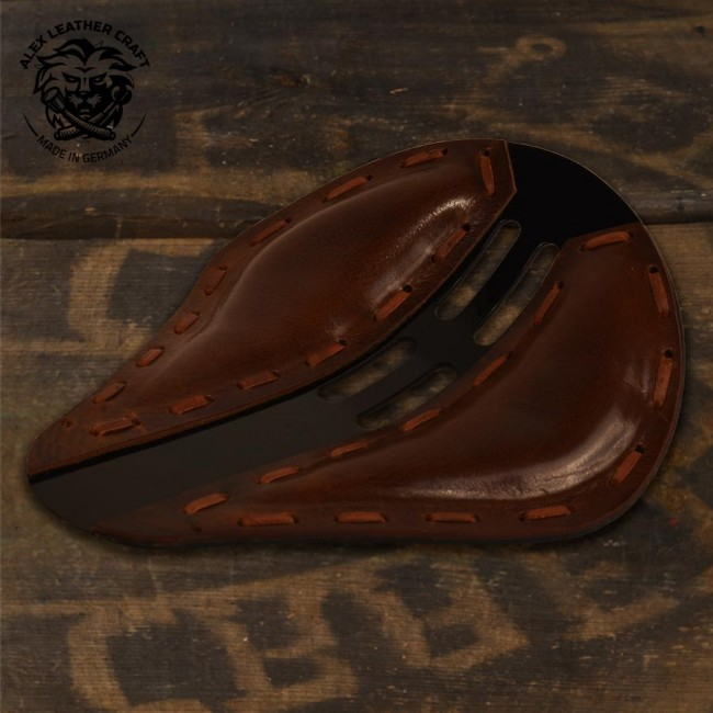 "Bobber & Chopper Custom Seat ""4Fourth"" Buffalo Brown"