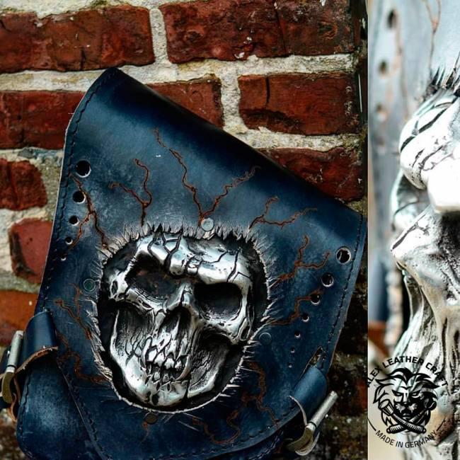 "Motorcycle Saddlebag for Harley Davidson Softail ""Skull"""