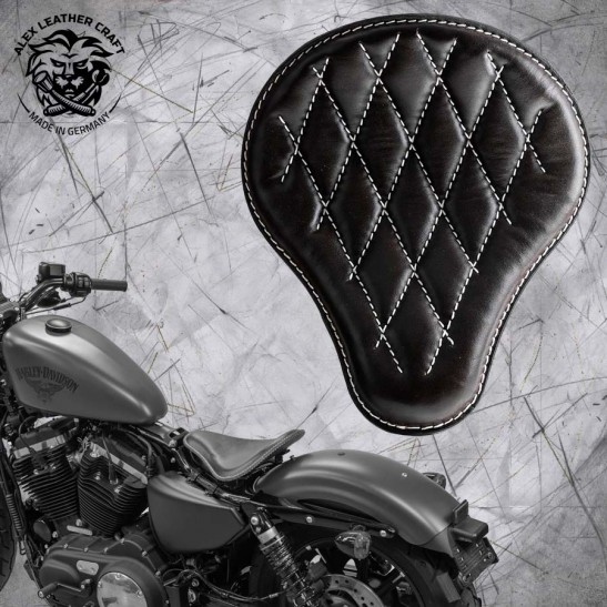 Solo Seat + Montage Kit Harley Davidson Sportster 04-20 Black and White V3